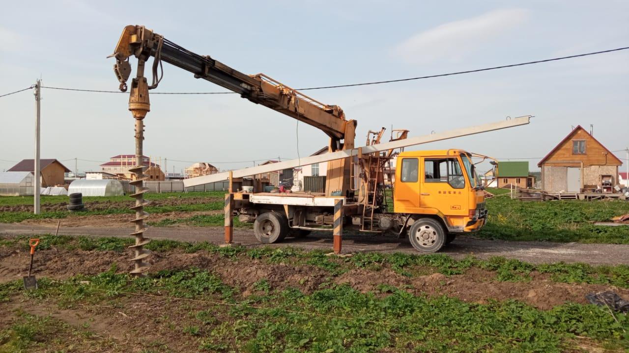 Установка столба в деревне Пески Ленинградской области